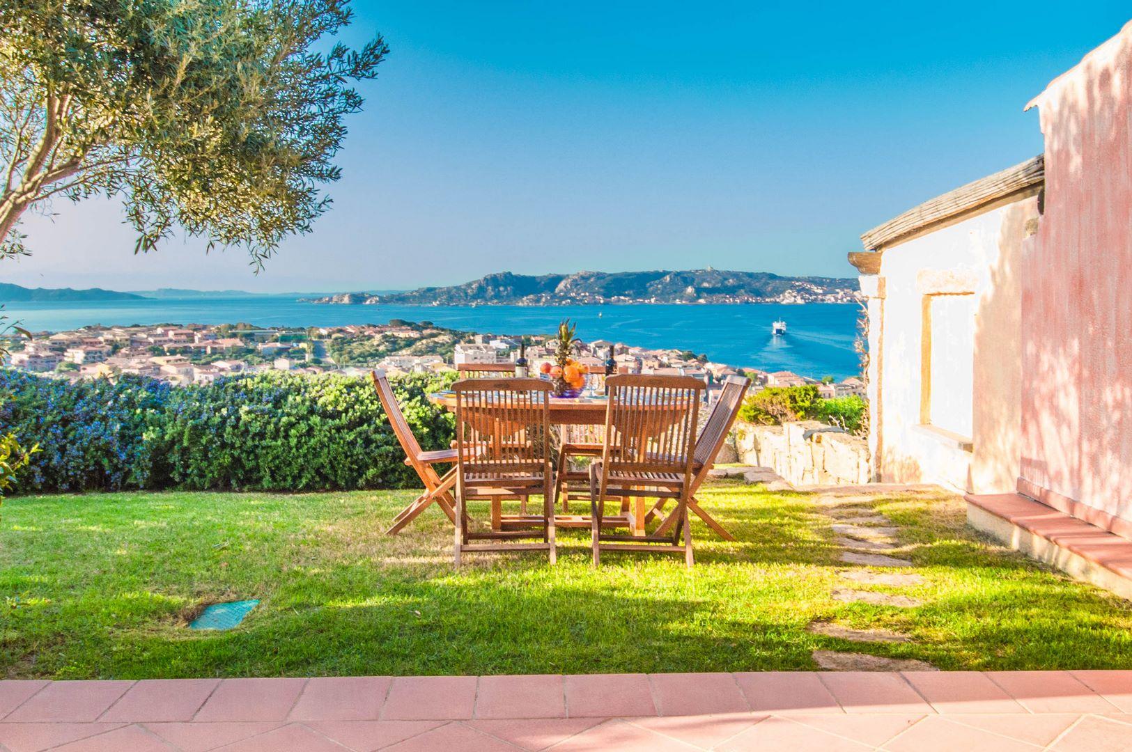 Palau villetta con giardino e vista mare da cartolina